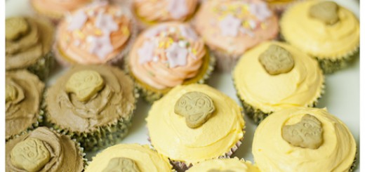 Child-friendly, bake sale-perfect, easy peasy cakes! http://vagabondbaker.com/2012/07/10/easy-peasy-child-friendly-cupcakes-perfect-for-school-fetes-birthday-parties-and-all-that-malarky/