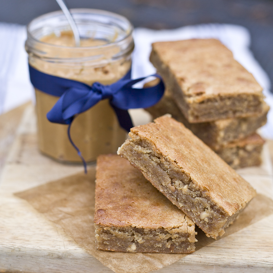 Peanut Butter and White Chocolate Blondies | Vagabond Baking