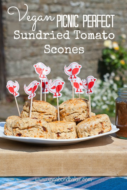 Vegan Sundried Tomato Scones  // perfect for a summer picnic!