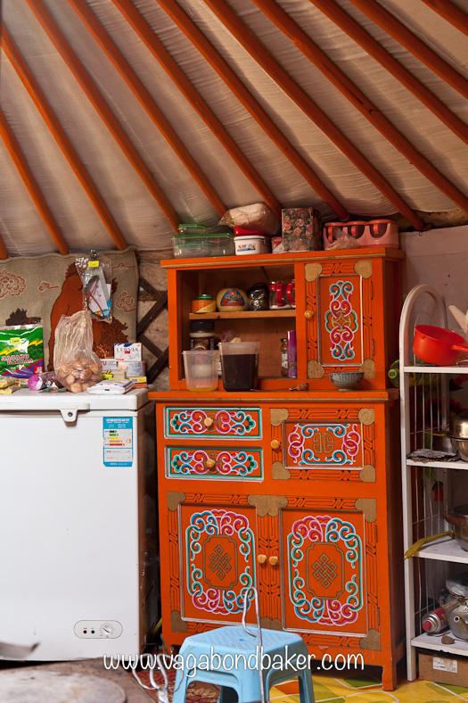 Pretty kitchen cabinet