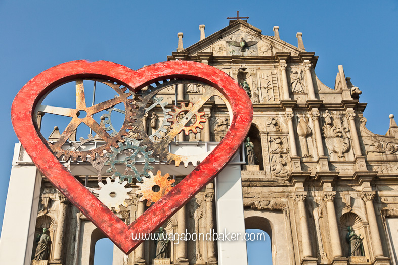 A heart and the Sao Paulo Cathedral ruins