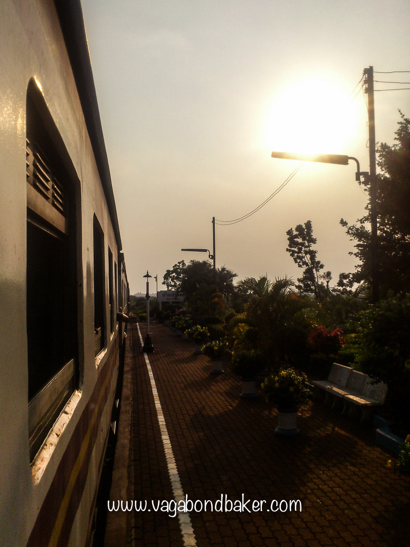 train from siem reap to bangkok