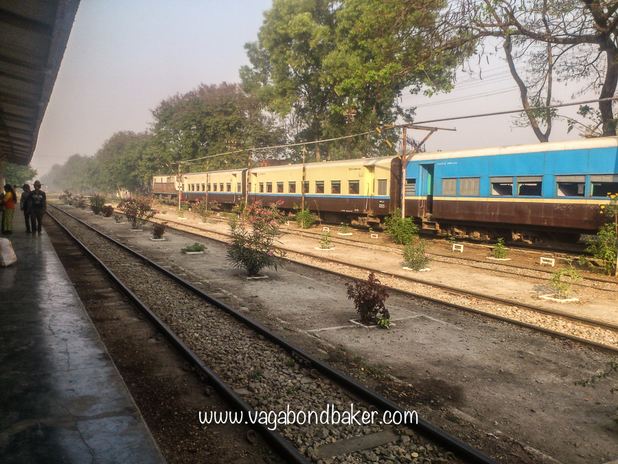 Mail Train to Thazi, Myanmar Railway, Myanmar Railways, Burma