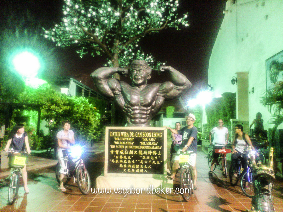 The Mr Muscle Man statue!