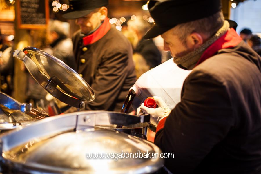 Preparing the glühwein