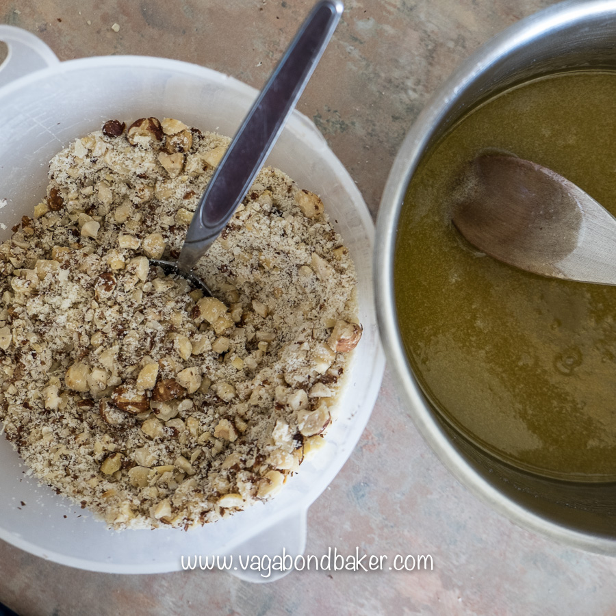 Combine the chopped nuts with the melted butter and sugar, allow to cool