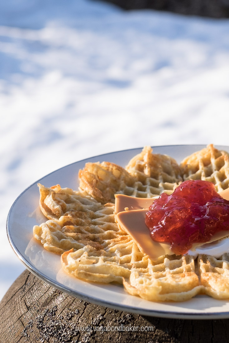 Norwegian waffles, recipe. Topped with sour cream, jam and brown cheese ❤