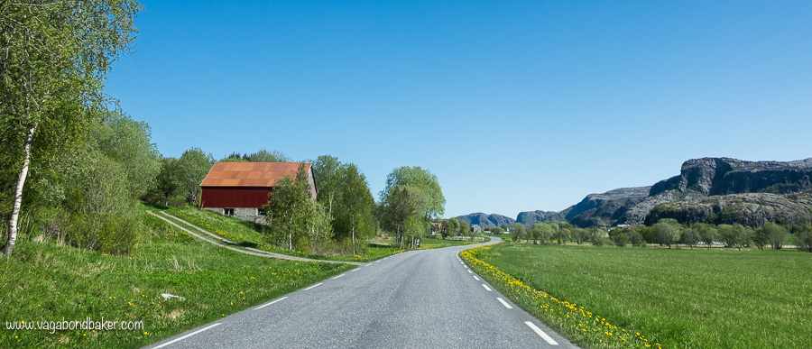 Jaw-Dropping Norway, dandelion road // road trip Norway
